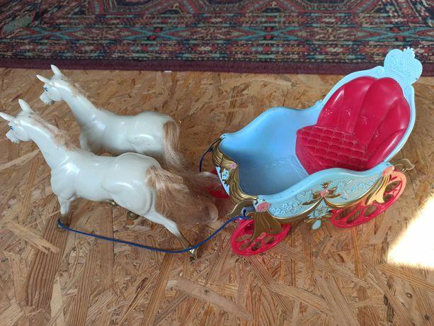 Disney карета с лошадьми