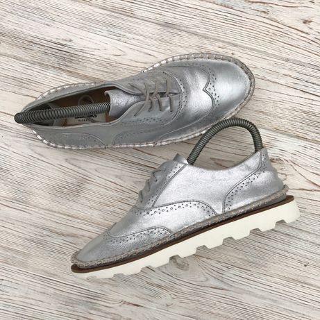 Кожаные кроссовки Clarks Оригинал! 23.5 см размер 37