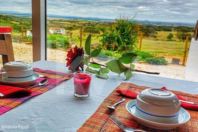 Monte Alentejano com 6 suites adequado a turismo rural junto do Alquev