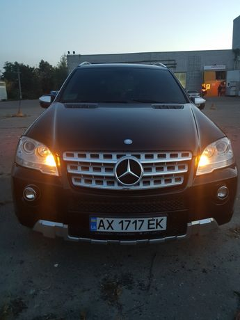 Mercedes Benz ML500(w164)