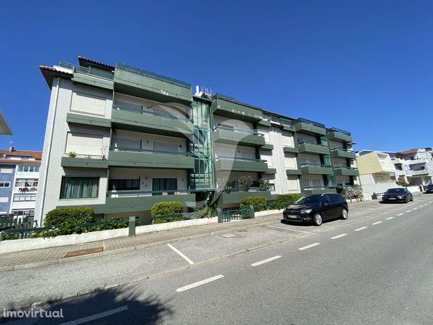 Apartamento T1 na 2ª linha da Praia da Barra