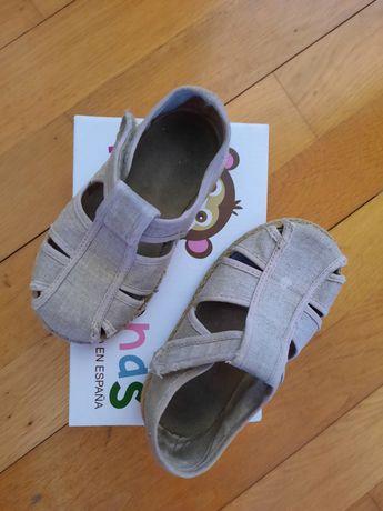 Sandálias beje Pisamonas tamanho 22