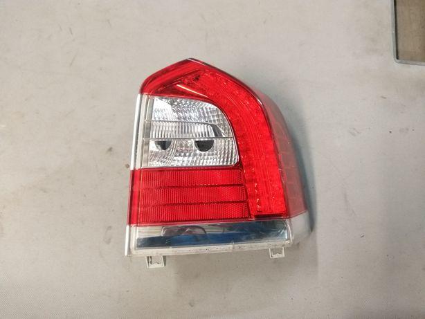 Lampa reflektor Led prawy tylko volvo xc70 v70 lift