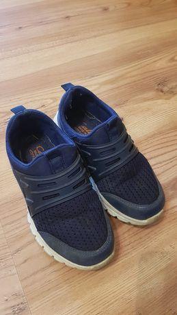 Продам дитячі кросівки 28 розмір