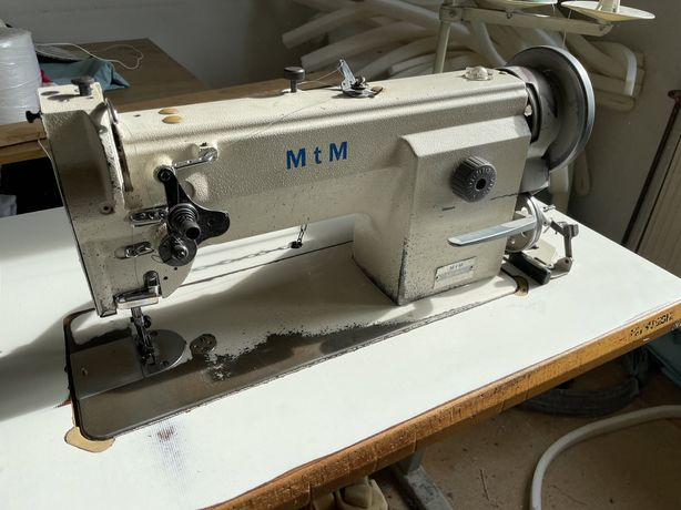 Maszyna do szycia tapicerki MTM potrójny transport