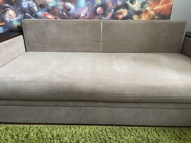 Продам двохспальній диван