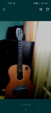 Гітара акустична в хорошому стані