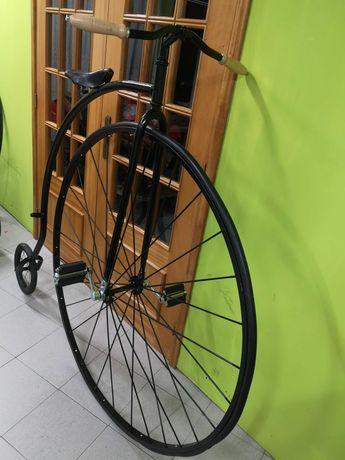 Bicicleta alta, pasteleira antiga, Melfeira, yeye, sirla, vespa,