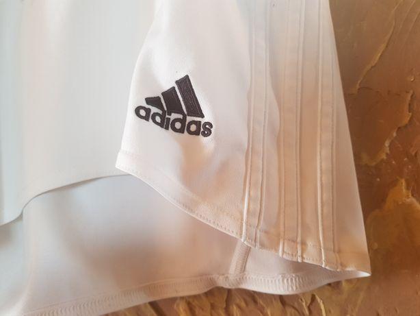 Spodenki sportowe Adidas M.