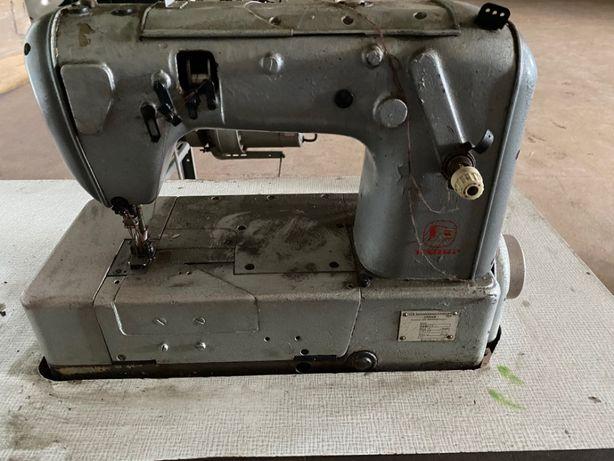 Maszyna dwuigłówka drabinkowa,renderka .