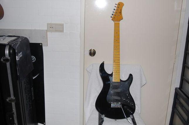 Guitarra Elétrica Stratocaster