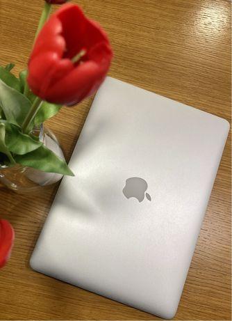 MacBook Air 13' early 2015 1,6 GHz, 8 GB