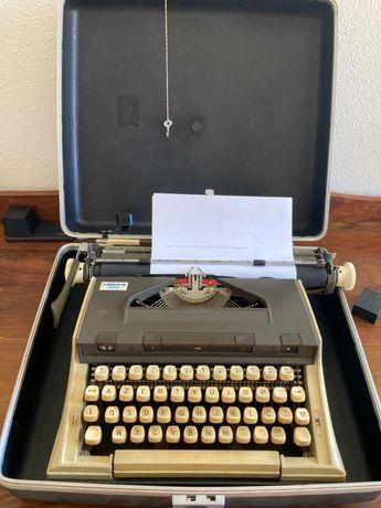 Maquina de escrever Capri Lógika 305