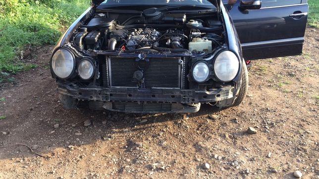 W210 W211 E220 E270 E320 автошрот Mercedes Фари крила бампер двері