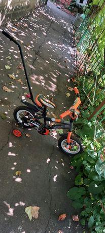 Детский двухколесный велосипед с родительской ручкой