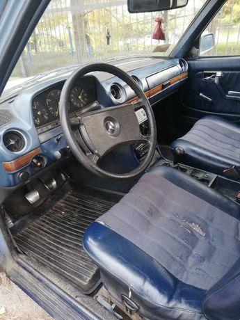 Mercedes-Benz 123