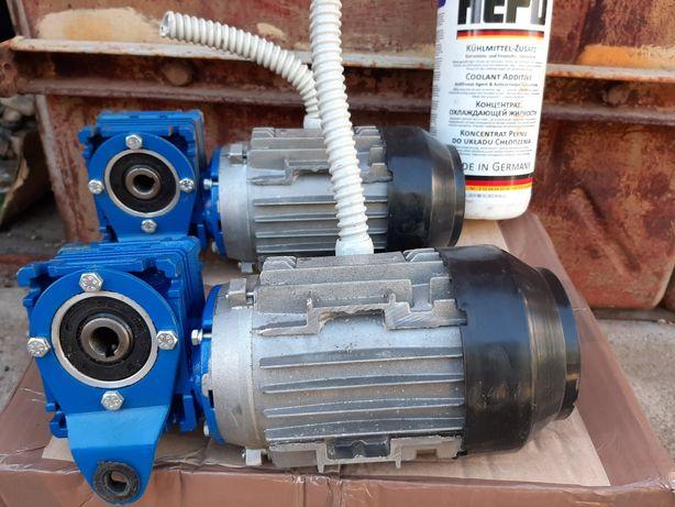 Мотор редуктор NMRV 030. Привод транспортера