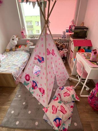 Namiot Tipi poduszki i koc