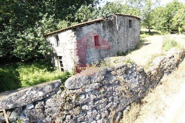 Quintinha para restauro em Friande, Póvoa de Lanhoso