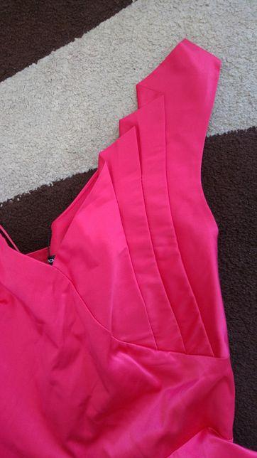 Różowa/malinowa sukienka fishbone new yorker r.M
