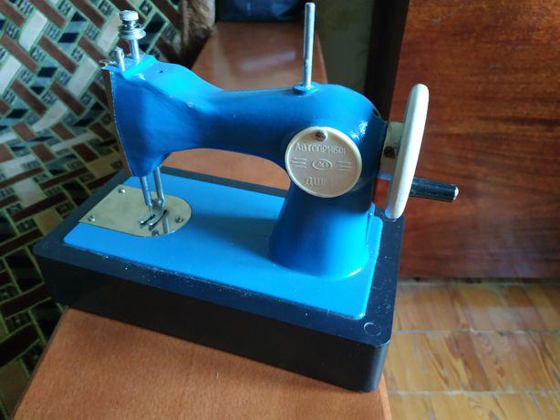 Продам детскую швейную машинку (б/у) ДШМ-1