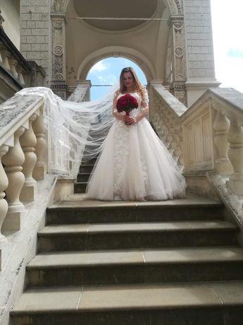 Suknia ślubna, rozmiar 36-38 (Salon Diana)