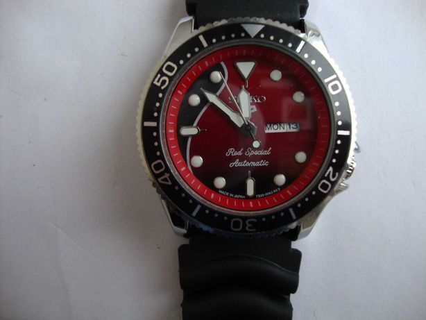 Seiko 5 Red Special Automatic