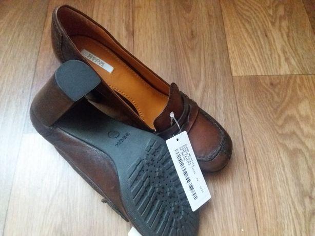 Женские кожанные туфли Geox