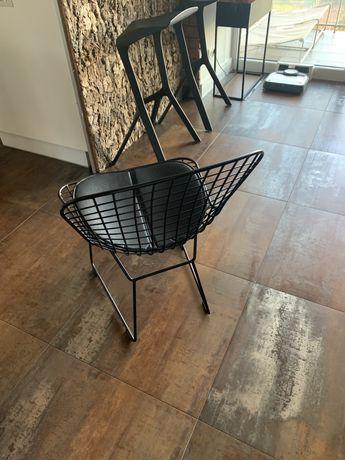 Krzesło siatkowe  czarne stalowe WIR loft z poduszką ze skóry