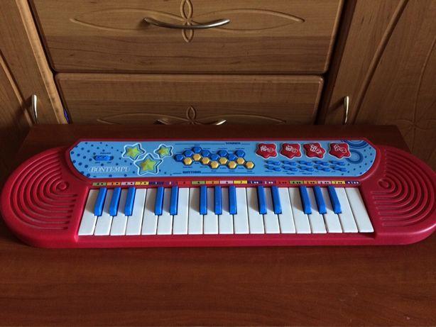 Электронное пианино/ синтезатор
