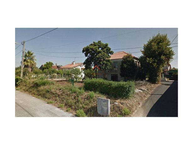 Moradia T4 em Águeda, para reconstruir com terreno de 584...