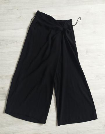 czarne asymetryczne spodnie S 36 szerokie wide leg  dzwony