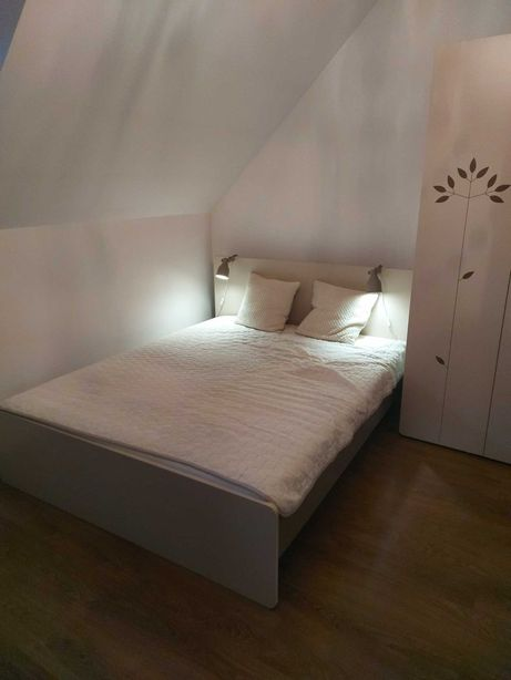 Zestaw do sypialni VOX (łóżko, materac, szafa, toaletka, fotel )