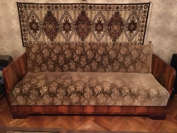 Продаю антикваріат диван,крісла,журнальний столик