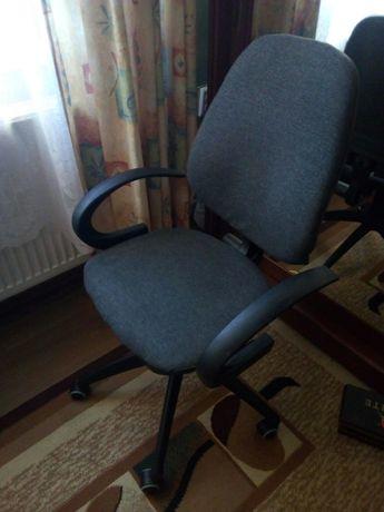Крісло компютерне.