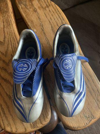 Кросівки для футболу бутци кеди