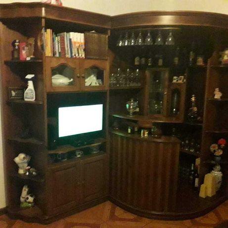 Bar de sala, em bom estado