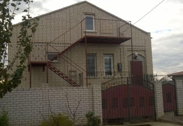 Дом в основе, ул. Б.Хмельницкого