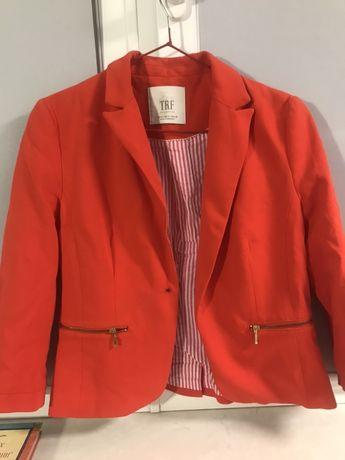 Продам трикотажный пиджак на девочку 11 лет