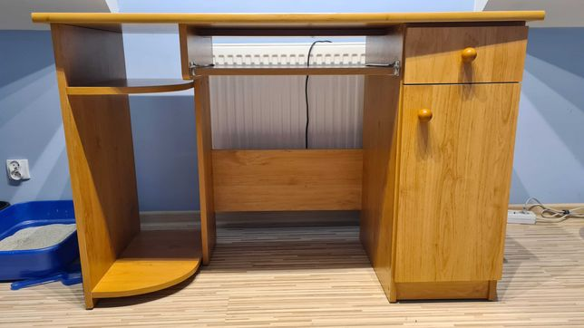 Sprzedam biurko w bardzo dobrym stanie