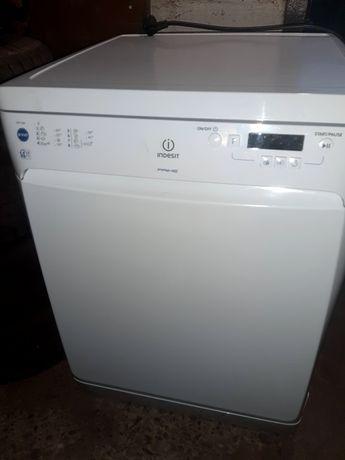 Срочно Посудомоечная машина Indesit DSG 573