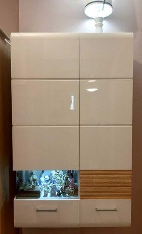 шкаф витрина подвесной