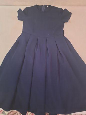 Школьное платье.Размер 140