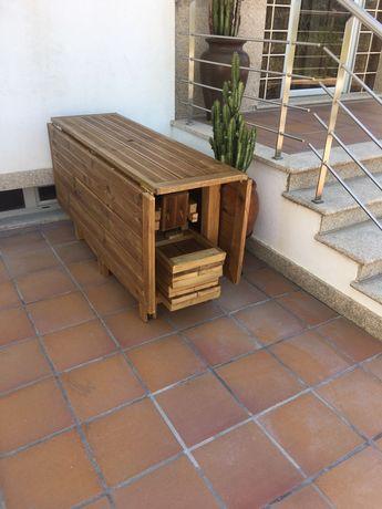 Mesa de Churrasco /Jardim / Exterior / 4 Bancos NOVO