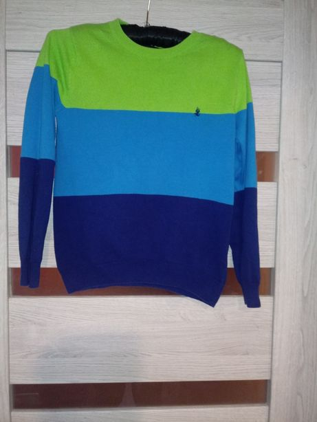 Sprzedam sweterek 140