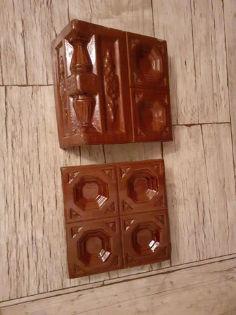 Kafle od pieca, ruszt ,drzwiczki żeliwne