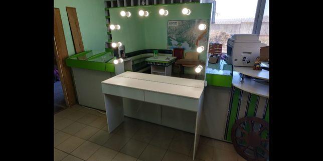 Стіл з дзеркалом, столик візажиста, на 2 робочих місця ЦІНУ ЗНИЖЕНО!!