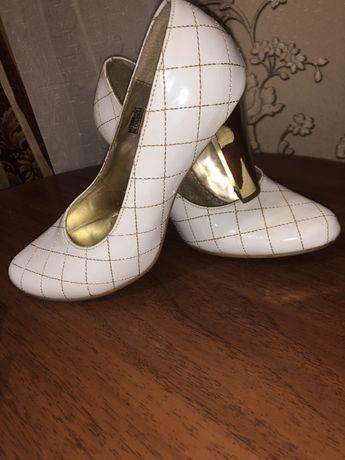 Туфли белое
