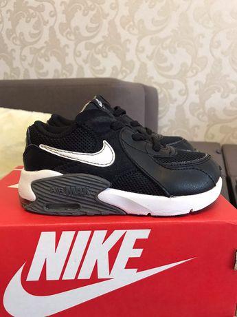Продам детские  кроссовки на мальчика NIKE AIR MAX (ориг)- 17см стопа