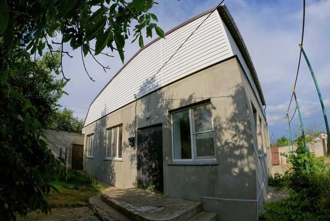 Продам дом с гаражом, 123 кв. м, 5 комнат, возле школы